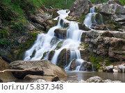 Купить «Аюкский водопад», эксклюзивное фото № 5837348, снято 19 апреля 2014 г. (c) Алексей Букреев / Фотобанк Лори