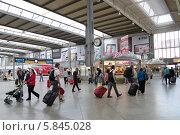 Купить «Железнодорожный вокзал Мюнхена (München Hauptbahnhof)», эксклюзивное фото № 5845028, снято 30 июля 2013 г. (c) Илюхина Наталья / Фотобанк Лори