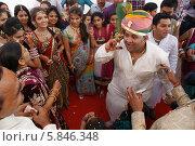 Выкуп невесты (2012 год). Редакционное фото, фотограф Вячеслав Строганов / Фотобанк Лори