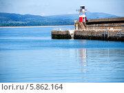 Купить «Маяк в Уиклоу, Ирландия», фото № 5862164, снято 5 июня 2013 г. (c) Татьяна Кахилл / Фотобанк Лори