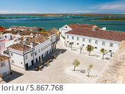 Купить «Городская площадь, Алгарве, Португалия», фото № 5867768, снято 8 апреля 2013 г. (c) Аnna Ivanova / Фотобанк Лори