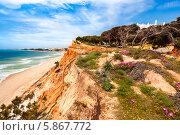 Купить «Побережье Ольюш-де-Агуа, Португалия», фото № 5867772, снято 15 апреля 2013 г. (c) Аnna Ivanova / Фотобанк Лори