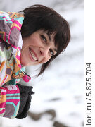 Купить «радостная женщина в зимней одежде», фото № 5875704, снято 15 декабря 2009 г. (c) Phovoir Images / Фотобанк Лори