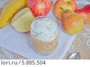 Фруктовый десерт из яблок и творога. Стоковое фото, фотограф Nadyan / Фотобанк Лори