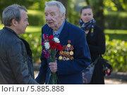 Купить «День Победы в Москве», фото № 5885888, снято 9 мая 2014 г. (c) Okssi / Фотобанк Лори