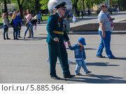 Купить «9 мая в Москве», фото № 5885964, снято 9 мая 2014 г. (c) Okssi / Фотобанк Лори