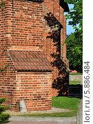Купить «Стена Кафедрального собора Кёнигсберга», фото № 5886484, снято 9 июня 2013 г. (c) Сергей Трофименко / Фотобанк Лори
