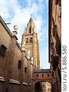 Купить «Колокольня собора в городе Толедо, Испания», фото № 5886580, снято 22 августа 2013 г. (c) Яков Филимонов / Фотобанк Лори