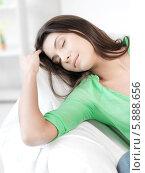 Купить «Девушка спит дома на диване», фото № 5888656, снято 31 марта 2012 г. (c) Syda Productions / Фотобанк Лори