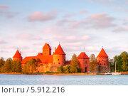 Купить «Замок Тракай, Литва», эксклюзивное фото № 5912216, снято 2 мая 2014 г. (c) Литвяк Игорь / Фотобанк Лори