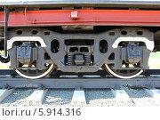 Купить «Колёса тендера старого паровоза», фото № 5914316, снято 10 мая 2014 г. (c) Алексей Павленко / Фотобанк Лори
