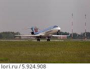 Самолёт CRJ-900ER на взлёте (2014 год). Редакционное фото, фотограф Артур Буйбаров / Фотобанк Лори