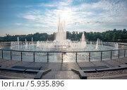 Фонтан в парке Царицыно (2014 год). Редакционное фото, фотограф Юрий Баулин / Фотобанк Лори