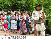 Купить «Праздник Троица В России, фольклор и народные гуляния», фото № 5939056, снято 23 июня 2013 г. (c) ElenArt / Фотобанк Лори