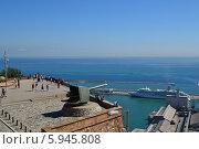 Вид на Средиземное море с замка в Барселоне (2012 год). Редакционное фото, фотограф Юлия Романова / Фотобанк Лори