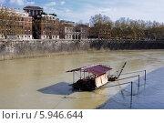 Река Тибр в Риме (2013 год). Стоковое фото, фотограф Алексей Яковлев / Фотобанк Лори