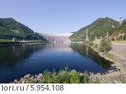 Плотина Саяно-Шушенской ГЭС (2013 год). Редакционное фото, фотограф Шичкина Антонина / Фотобанк Лори