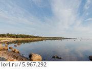 Купить «Соловецкое побережье летним солнечным вечером», фото № 5967292, снято 6 августа 2013 г. (c) Горшков Игорь / Фотобанк Лори