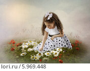 Девочка в ромашках. Стоковая иллюстрация, иллюстратор Маргарита Нижарадзе / Фотобанк Лори