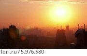 Купить «Рассвет над городом, таймлапс», видеоролик № 5976580, снято 25 июня 2013 г. (c) Данил Руденко / Фотобанк Лори