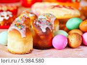 Купить «Куличи и пасхальные яйца», фото № 5984580, снято 15 апреля 2012 г. (c) Яков Филимонов / Фотобанк Лори