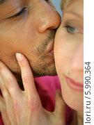 Купить «муж целует жену, крупный план», фото № 5990364, снято 3 октября 2000 г. (c) Phovoir Images / Фотобанк Лори