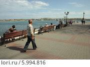 Набережная Севастопольской бухты (2014 год). Редакционное фото, фотограф Юрий Антипычев / Фотобанк Лори