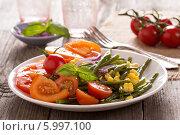 Купить «Салат с зеленой фасолью», фото № 5997100, снято 12 октября 2013 г. (c) Елена Веселова / Фотобанк Лори