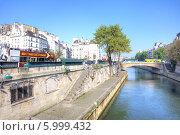 Купить «Париж, городской пейзаж», фото № 5999432, снято 30 апреля 2014 г. (c) Parmenov Pavel / Фотобанк Лори