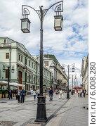 Купить «Москва. Фонари в Камергерском переулке», эксклюзивное фото № 6008280, снято 14 июня 2014 г. (c) Виктор Тараканов / Фотобанк Лори