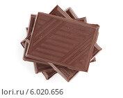 Купить «Плитки шоколада на белом фоне», фото № 6020656, снято 15 ноября 2013 г. (c) Александр Лычагин / Фотобанк Лори