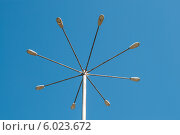 Купить «Фонарь на фоне голубого неба», фото № 6023672, снято 14 мая 2012 г. (c) Elena Monakhova / Фотобанк Лори