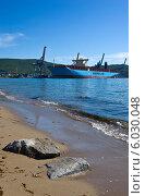 Купить «Новый контейнеровоз Marstal Maersk стоящий у контейнерного терминала порта Восточный», фото № 6030048, снято 30 мая 2014 г. (c) Владимир Серебрянский / Фотобанк Лори