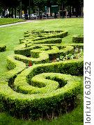 Купить «Французский городской парк в центре Парижа, район Мариньи, Франция», фото № 6037252, снято 26 мая 2013 г. (c) Татьяна Кахилл / Фотобанк Лори