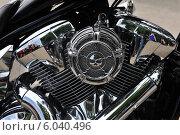 Мотор мотоцикла на байкерском слете к открытию сезона в Самаре. Стоковое фото, фотограф Дмитрий Бурлаков / Фотобанк Лори