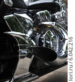 Мотор мотоцикла на байкерском слете к открытию сезона в Самаре (2014 год). Редакционное фото, фотограф Дмитрий Бурлаков / Фотобанк Лори