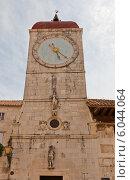 Купить «Башня церкви Святого Себастьяна (1476 г.) в г. Трогир, Хорватия. Объект всемирного наследия ЮНЕСКО», фото № 6044064, снято 16 июня 2014 г. (c) Иван Марчук / Фотобанк Лори