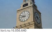 Купить «Часы на башне Шанхайской Таможни», видеоролик № 6056640, снято 22 июня 2014 г. (c) Кирилл Трифонов / Фотобанк Лори