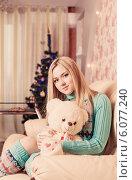 Купить «beautiful girl with toy at home», фото № 6077240, снято 27 декабря 2013 г. (c) Майя Крученкова / Фотобанк Лори