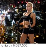 Купить «sporty woman with skipping rope», фото № 6087500, снято 8 мая 2014 г. (c) Syda Productions / Фотобанк Лори