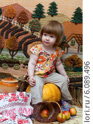 Девочка с яблоками. Стоковое фото, фотограф Анна Алексеенко / Фотобанк Лори