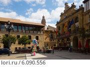 Купить «Town Square in Haro, La Rioja», фото № 6090556, снято 29 июня 2014 г. (c) Яков Филимонов / Фотобанк Лори