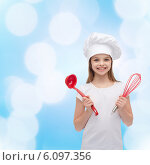 Купить «smiling girl in cook hat with ladle and whisk», фото № 6097356, снято 9 апреля 2014 г. (c) Syda Productions / Фотобанк Лори