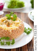 Купить «Булочка запеченная с сыром и грибами», фото № 6153516, снято 11 января 2013 г. (c) Афанасьева Ольга / Фотобанк Лори