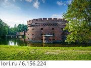 Купить «Оборонительная башня Дона. Калининград», фото № 6156224, снято 16 июля 2014 г. (c) Сергей Куров / Фотобанк Лори