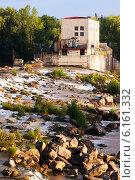 Купить «dam at Ebro river in Logrono. La Rioja», фото № 6161332, снято 28 июня 2014 г. (c) Яков Филимонов / Фотобанк Лори