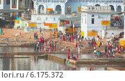 Купить «Озеро в Пушкаре, Индия», видеоролик № 6175372, снято 20 июля 2014 г. (c) Игорь Жоров / Фотобанк Лори