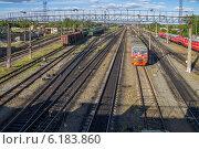 Купить «Железная дорога вблизи станции Арзамас 2», фото № 6183860, снято 21 июля 2014 г. (c) Аркадий Рыпин / Фотобанк Лори