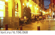 Купить «Street with people in spanish city in evening. Logrono, La Rioja», видеоролик № 6196068, снято 27 июня 2014 г. (c) Яков Филимонов / Фотобанк Лори
