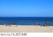 Купить «Песчаный пляж в Куликове. Калининградская область», фото № 6207848, снято 19 июля 2014 г. (c) Михаил Рудницкий / Фотобанк Лори